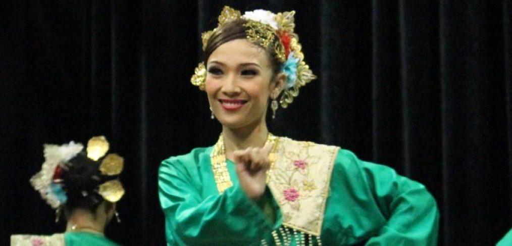 The-Warisan-Johor-dancers-visit-MCM-14-British-International-School-Johor Bahru-Malaysia-11